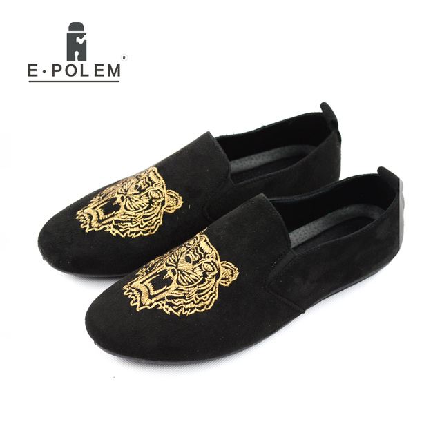 2017 Mens Casual Loafers Shoes Fashion Summer Soft Slip On Moccasins Tiger  Embroidery Soft Men Flats Gommino Shoes Black Grey 5c48a0490aa5