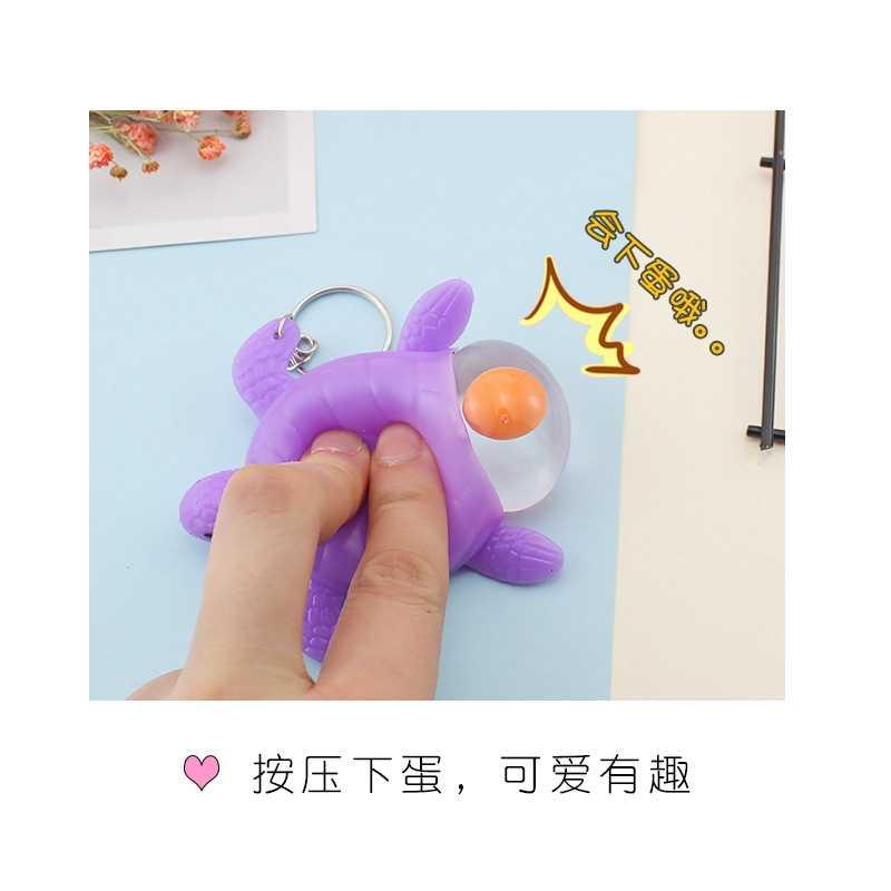 Crianças Brinquedos Tartaruga Tartarugas Ovo de Galinha Que Põe Ovos Engraçado Da Novidade Antistress Chaveiro Squeeze Brinquedos Mordaças câmera escondida Chaveiro
