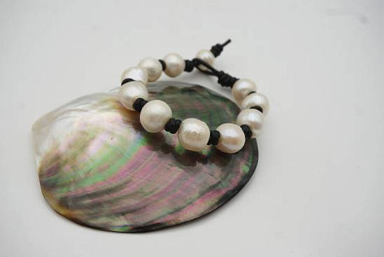 Leather Pearl Bracelet White Potato Freshwater Pearl Leather Bracelet Select Leather Color Handmade Cuff New Free Shipping