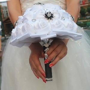 Image 5 - Wifelai um branco puro rosa flor preto broche buquês de casamento de cristal nupcial buquês de casamento flores personalizado