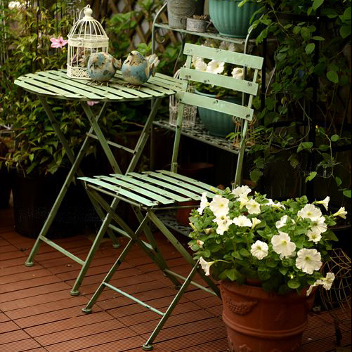 Country retro wrought iron outdoor balcony folding table and chair garden leisure table and chair three-piece garden decoration