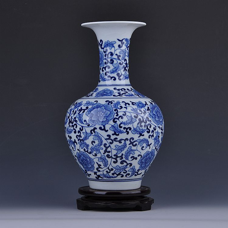 King of Connaught Jingdezhen ceramics hand-painted antique blue bottle classical modern handicraft decoration decoration Home Fu