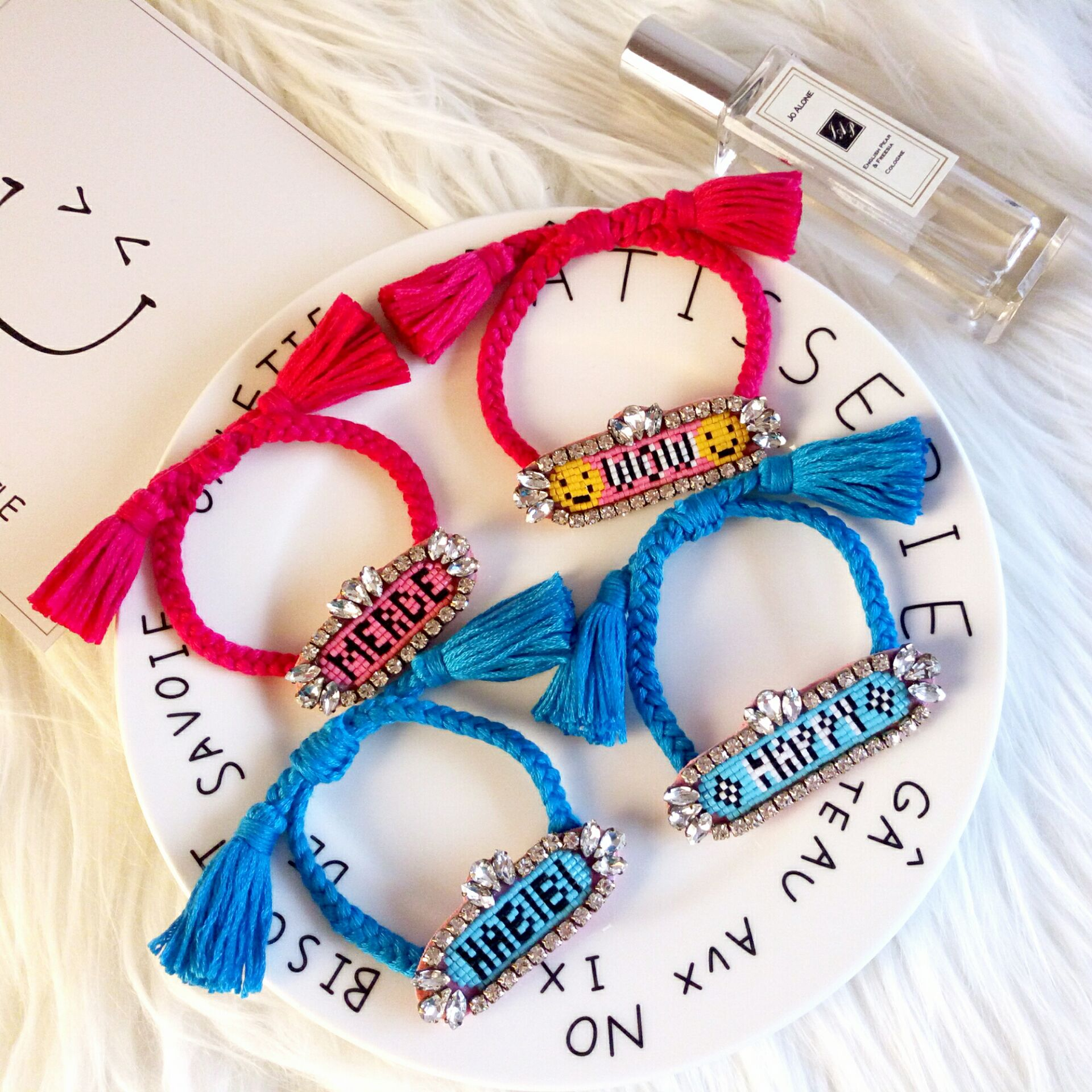 Prix pour 2017 tout-allumette mode candy color série main bracelet shourouk cristal perles coloré femmes corde bracelets bijou mignon manchette