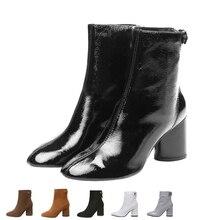 Для женщин зимние ботильоны, Лакированная кожа Сапоги и ботинки для девочек Теплые Короткие Плюшевые Ботинки женские Сапоги и ботинки для девочек 2017 ботинки с круглым носком черный, белый цвет