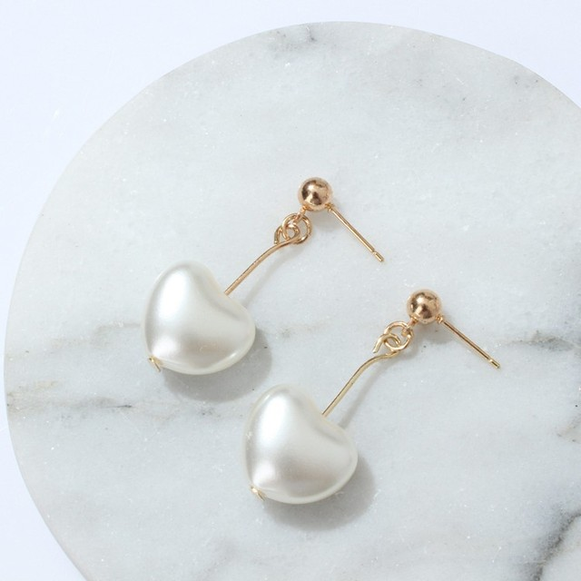2017 New Fashion Retro Heart Cherry Pearl Shaped Love Earrings Anese Soft Sister