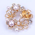 2016 Nuevo diseño petunia broche chapado en oro broche de perlas para la mujer regalos
