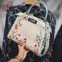 Hoge kwaliteit mode kleurrijke klinknagels geborduurde bloemen Pu lederen dames handtassen schoudertas purse crossbody tas