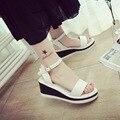 2017 Женщины Жаркое Лето Клин сандалии женщин летом Корейской версии водонепроницаемый телевизор с носком на высоком каблуке сандалии simple студенты прилив