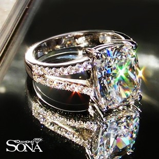 luxury Wedding Ring 3.85 carat cushion cut sona Synthetic Gem engagement rings for women,promise ring chic artificial gem shell embossed ring for women