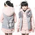 Envío gratis muchacha del Invierno de la ropa del paño con siesta suave de manga larga con capucha y chaleco que arropan el sistema niños ropa