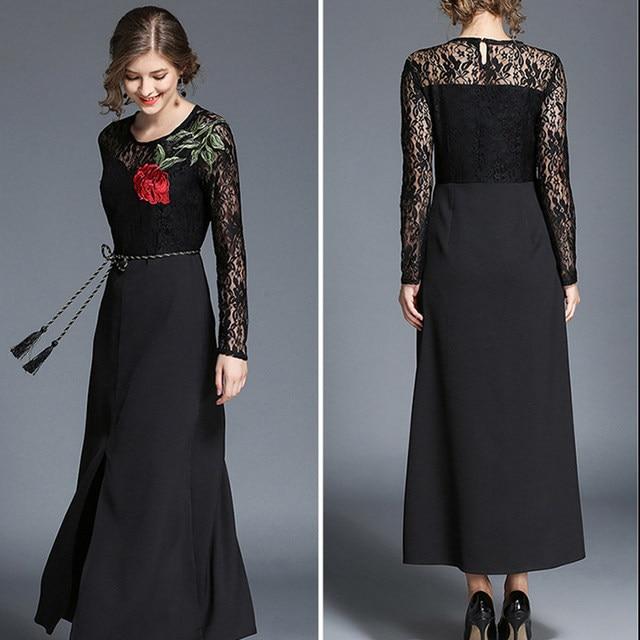 Vestido de renda bordado longo