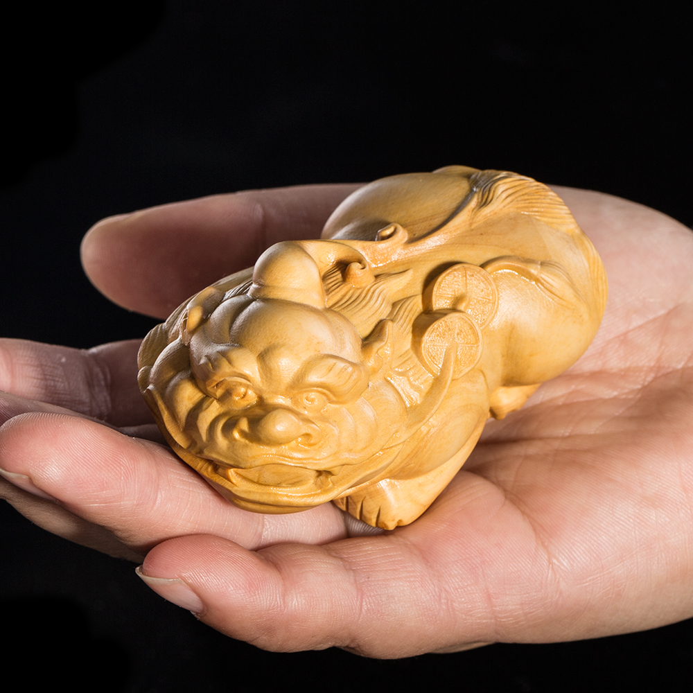 JIA-GUI LUO Boxwood carving decorative small sculpture model craft gift Home office decorations ornaments Brave troops
