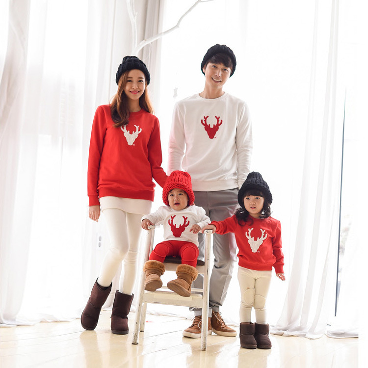 725eb125fb Christmas Family Look Deer Mommy and Me Clothes Matching Family Clothing  Mother Daughter Mom Son Father Baby T-shirt red white
