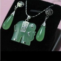 New Beautiful green elephant Jewellery necklace Pendant earring Set AA145451