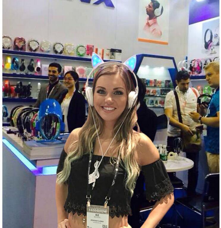 Folding And Shining Bluetooth Sports Walkman Headphones Children Cute Cat Ear Headphones Adult COSPLAY FUNNY EARPHONE