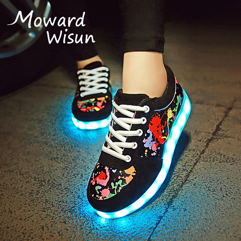 2017 New Graffiti Luminous Sneakers with Light Sole Kids Boys Glowing Tenis Feminino Baskets Light Up Shoes Girl LED Slippers 30