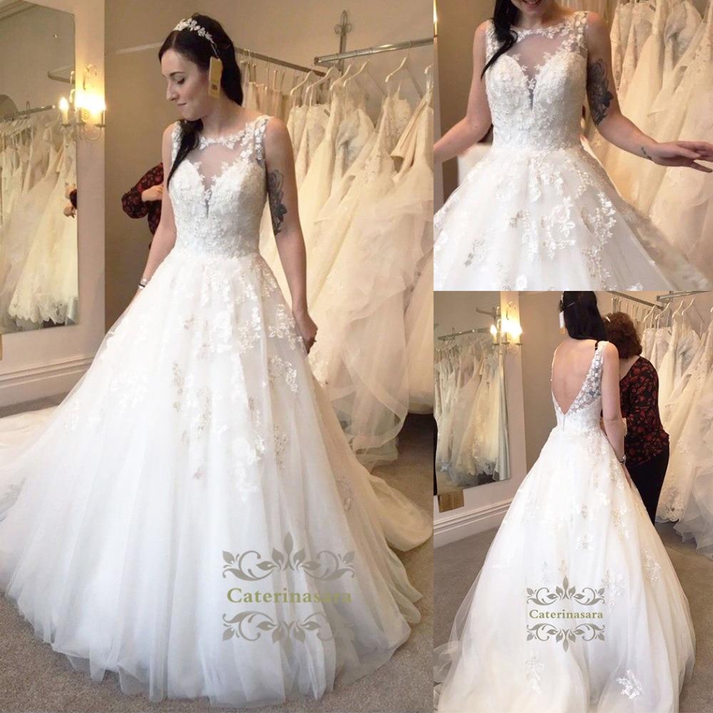 Robe De Bal Jewel Neck robes de mariage Cour Train Dentelle/Tulle robes de mariée avec Perles/Appliques/Boutons jupe bouffante