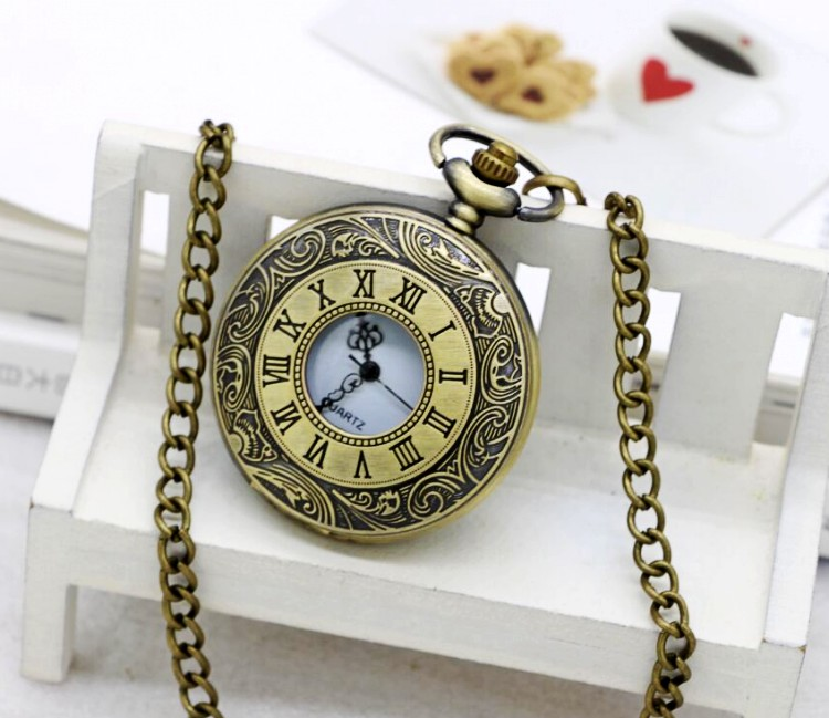 Antique Vintage Bronze Roman Number Necklace Quartz Pocket Watch Chain  birthday gift H08 antique retro bronze car truck pattern quartz pocket watch necklace pendant gift with chain for men and women gift
