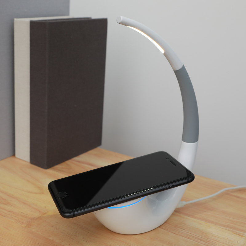 Qi wireless charger Nillkin 2 in 1 Desk LED Light Wireless Charger Lamp Eyes protection Reading Lamps USB Charger for iPhone X 8