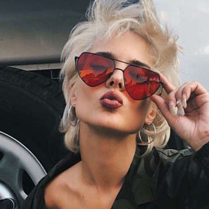 2019 Fashion Heart Sunglasses Women Sexy Brand Designer Red Yellow Clear Lens Metal Frame Cat Eye Sun Glasses Gafas Shade UV400