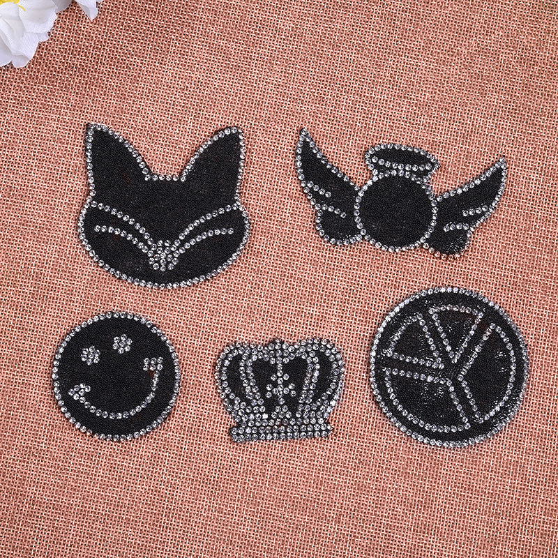 Smiley Crown Embroidery Applique For T-shirt Clothing Deco Exquisite Rhinestone Fox Patches DIY Accessories Applique Decal.1 (8)