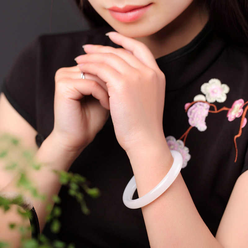 กำไลข้อมือผู้หญิง Drop Shipping ธรรมชาติ XinJiang สีขาวหินหยกกำไลสำหรับสุภาพสตรี Dance Party เครื่องประดับของขวัญ