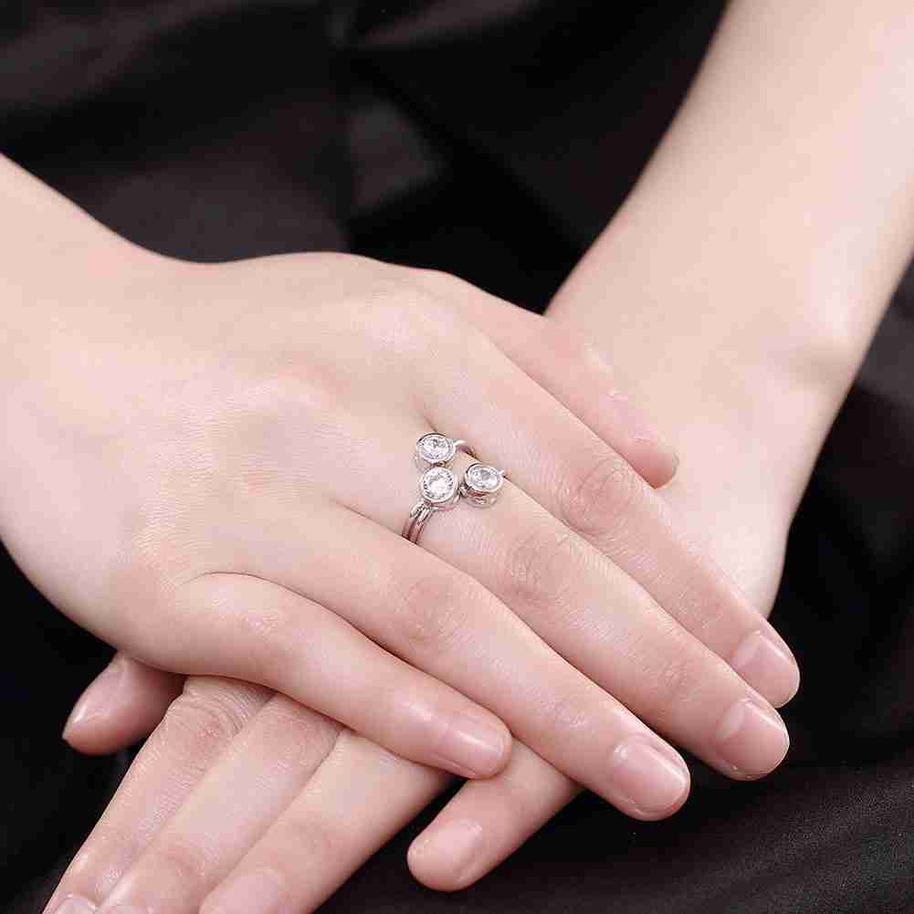 KITEAL 2017 925 silver White size 8 women Engagement rings Three-Stone embracing sterling silver ring men Wholesale