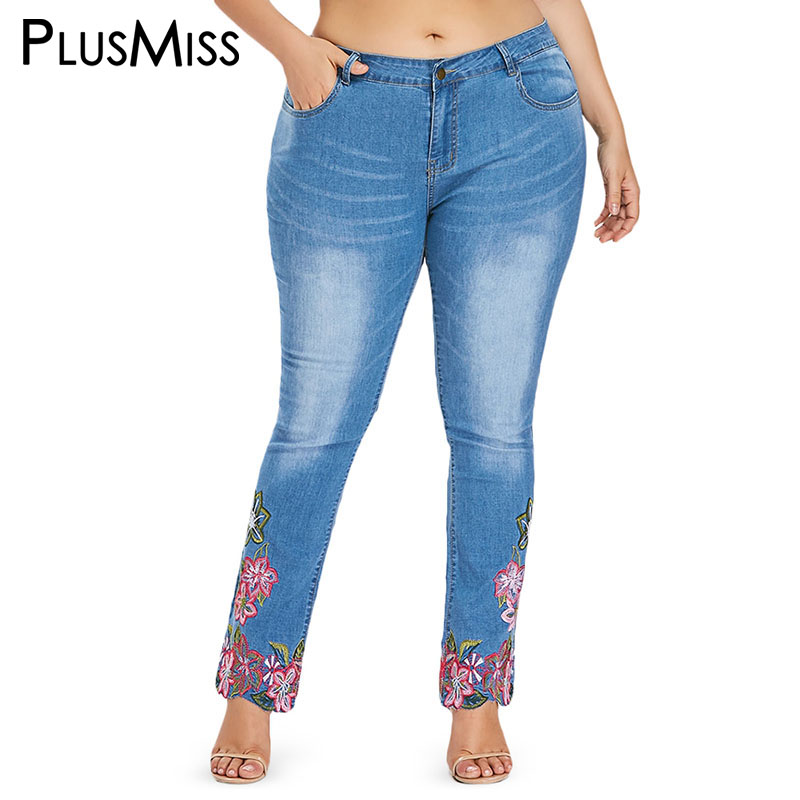 PlusMiss Plus La Taille Skinny Brodé Jeans Maman Femme XXXXL Femelle Grande Taille 5XL Femmes Denim Jeans Flare Pantalon Femelle Dames bleu