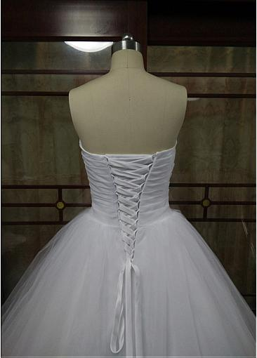 Romantic Sweetheart Ball Gown Wedding Dress Tulle Gowns Ruched Pleated Floor Length Princess Illusion Applique Bridal Gowns 2019