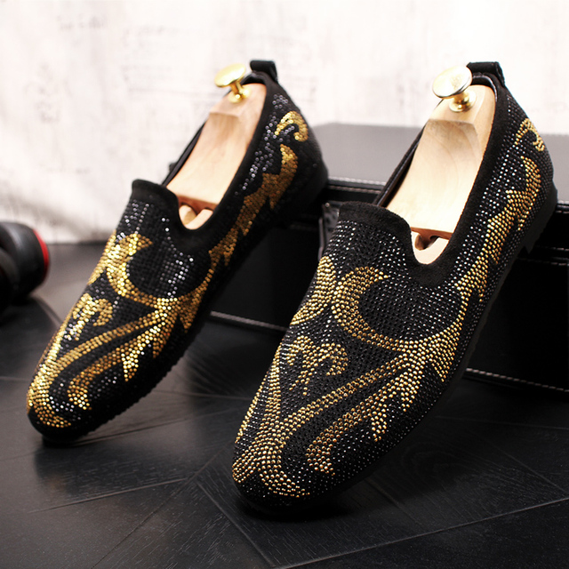 e0522abf82c US $51.11 10% OFF|2019 New Brand Men loafers shoes Black +red +yellow  Diamond Rhinestones Spiked Flats shoes Red Bottom Wedding Party Shoe-in  Men's ...