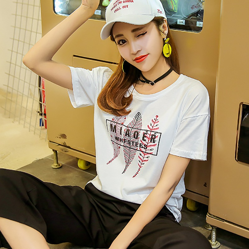 2019 New Summer Women T shirt Simple Casual Leaf Print Plus Size T shirt White Round Neck Short sleeved Loose Style Ladies Tee in T Shirts from Women 39 s Clothing