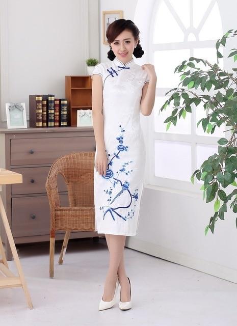 c699b5029 Shanghai historia top-Grado floral largo cheongsam qipao vestido chino ropa  tradicional oriental blanco vestidos