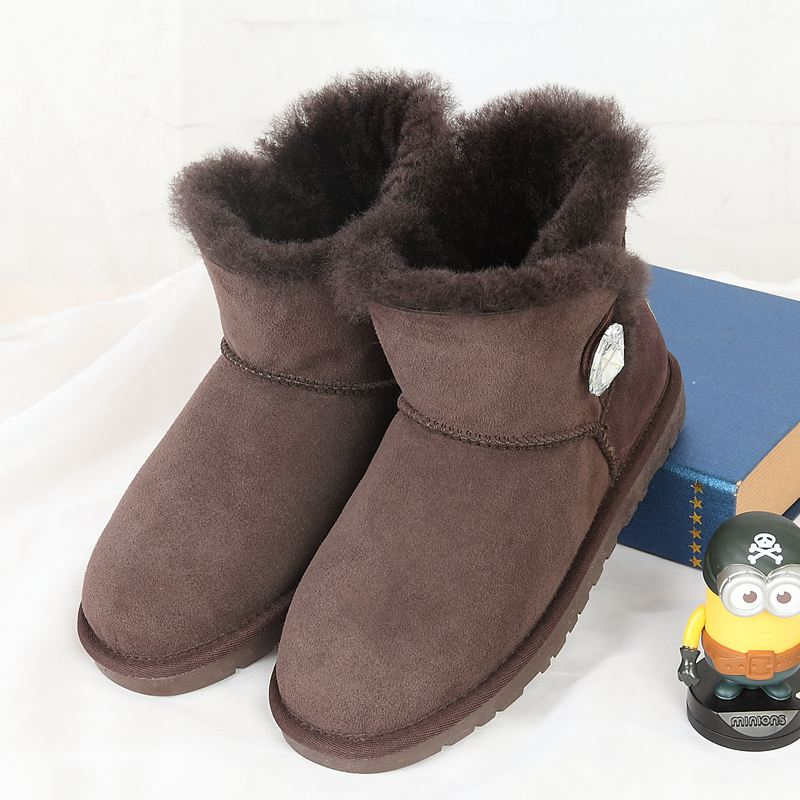 High quality snow boots 2017 new Australian natural sheep skin 100% female boots free delivery snow boots free delivery of autumn and winter high quality 100