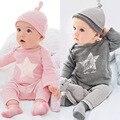 Los bebés varones y niñas sistemas de la ropa casual y lindo sombreros Infantiles de dibujos animados carta de manga larga camiseta y pantalones casuales traje y sombrero 3 pastel