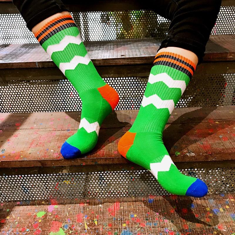 Men New hiphop cotton socks fashion hit color stripe skateboard socks casual lattice wild Thickening warm Harajuku colorful sock