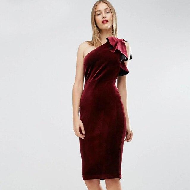 b9c295bc5 € 15.99 49% de DESCUENTO|Ynzzu sexy un hombro vestido de terciopelo bodycon  mujeres Otoño Invierno Ruffles rojo elegante fiesta de Noche Vestidos ...