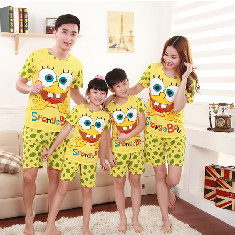 Family Pajama Sets Tshirt Pant Mother Daughter Dad Son Spongebob Fashion Summer Short Pajamas Family Matching