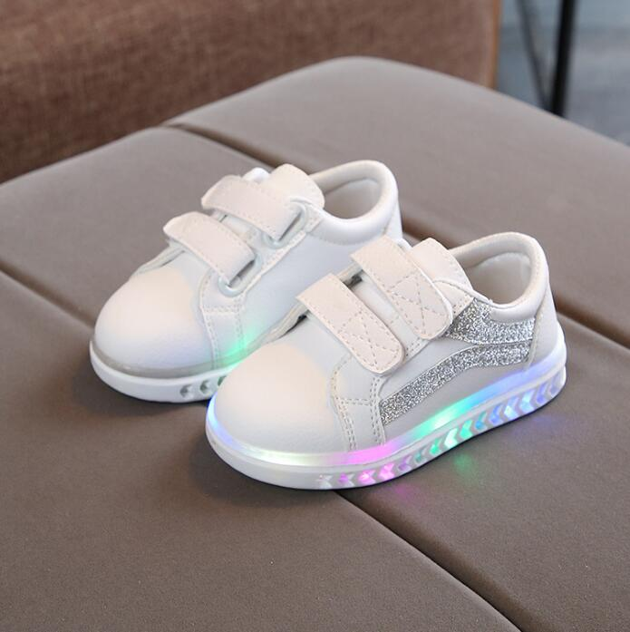 Kids <font><b>Shoes</b></font> <font><b>With</b></font> <font><b>Lights</b></font> 2019 New Spring Autumn Toddler Boys Glowing Sneakers <font><b>Children</b></font> Sports <font><b>Shoes</b></font> for Baby Girls Led Sneaker image