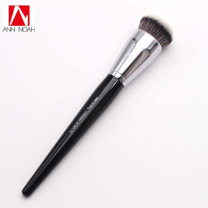 Professional Makeup Black Long Wood Handle Short Synthetic Fiber No 70 Large Pro Buffing Brush