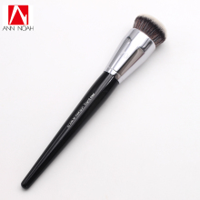 Professional Makeup Black Long Wood Handle Short Synthetic Fiber No. 70 Large Pro Buffing Brush