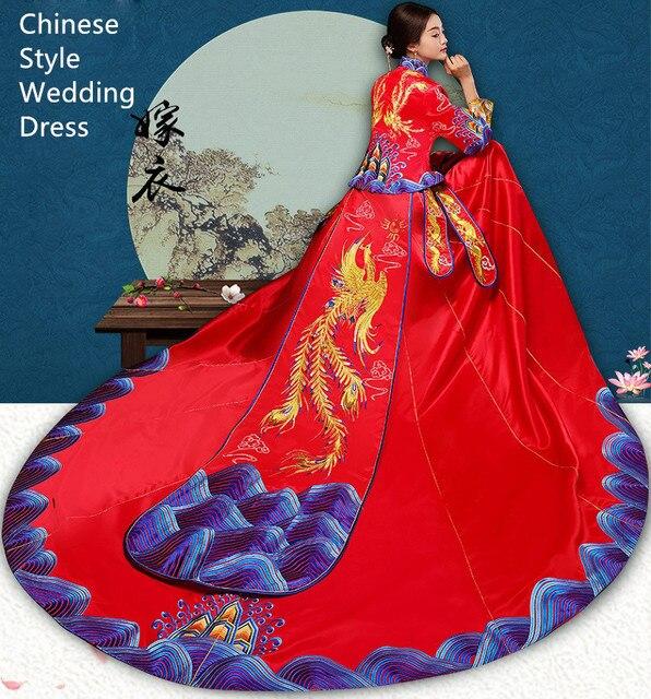 Alta Qualità Cina tradizionale elegante cerimonia nuziale della sposa  cheongsam vestito Cinese dragon phoenix Ricamo di 18b17b3e771