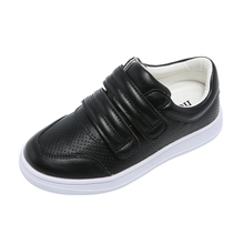 Модная Детская одежда Обувь для мальчиков Hook & Loop мальчиков тапки Весна Flat Детская обувь для мальчиков кожаная мягкая детская обувь черный или белый