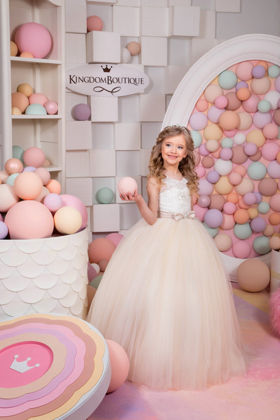Здесь продается  Sleeveless Lace Up Mother Daughter Dresses Ball Gown First Communion Dresses for Girls Tulle Flower Girl Dresses For Wedding  Детские товары