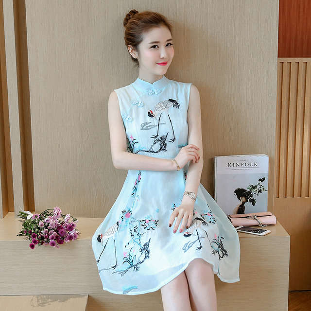 2019 new chinese women evening party dress crane embroidery modern cheongsam a line sleeveless party white lace qipao dress