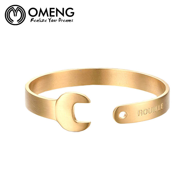 Gold armband polieren