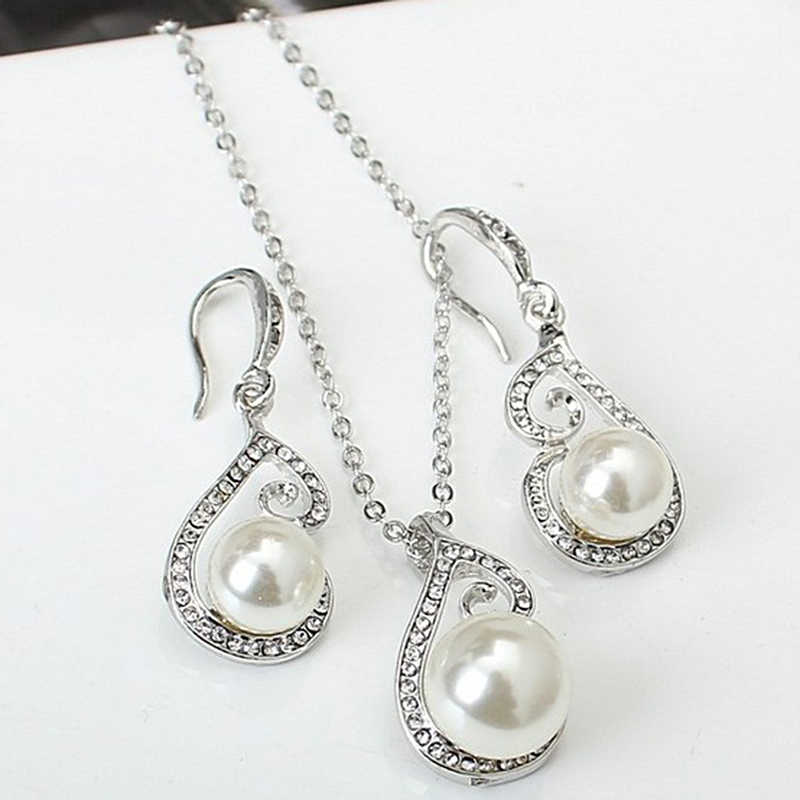 New Women Fashion Imitation Pearl Necklace Pearl Earrings Jewelry Set Women Clavicle Necklace Fashion Accessories