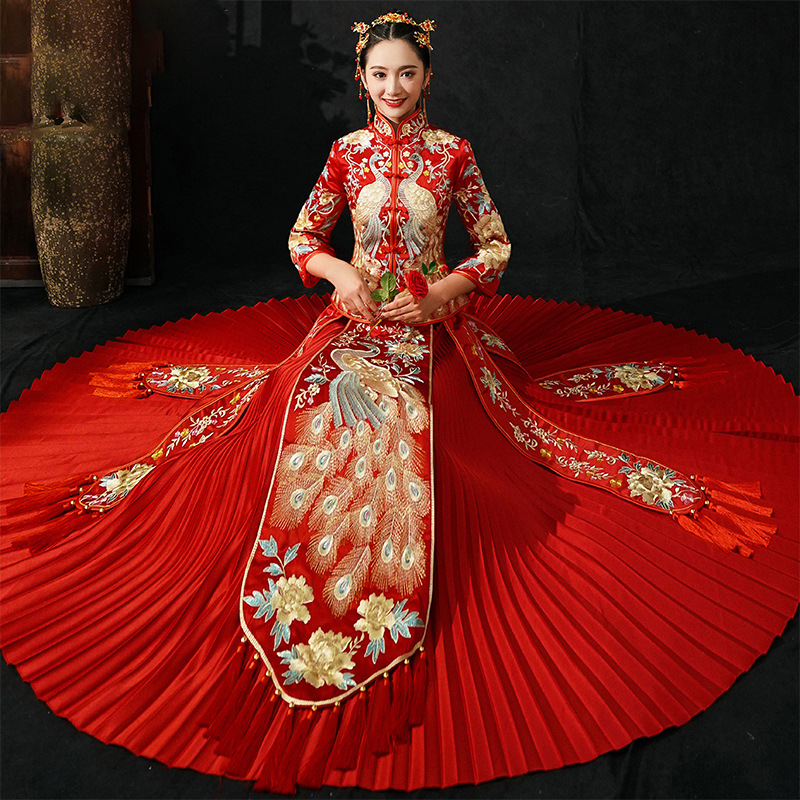 Red Long Sleeve Chinese Traditional Wedding Dress Women Peacock Embroidery Cheongsam Qipao Evening Gown China Bride Traditions