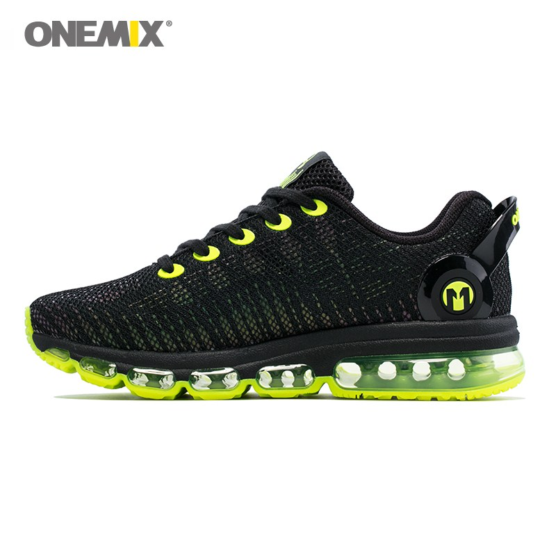 купить Onemix men's running shoes 2017 lightweight colorful reflective mesh vamp for outdoor sports jogging walking shoes size 39-46 по цене 3641.27 рублей