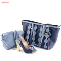 doershow beautiful blue African shoes and matching bags with rhinestones!High class lady shoes and bags for party UL1 7
