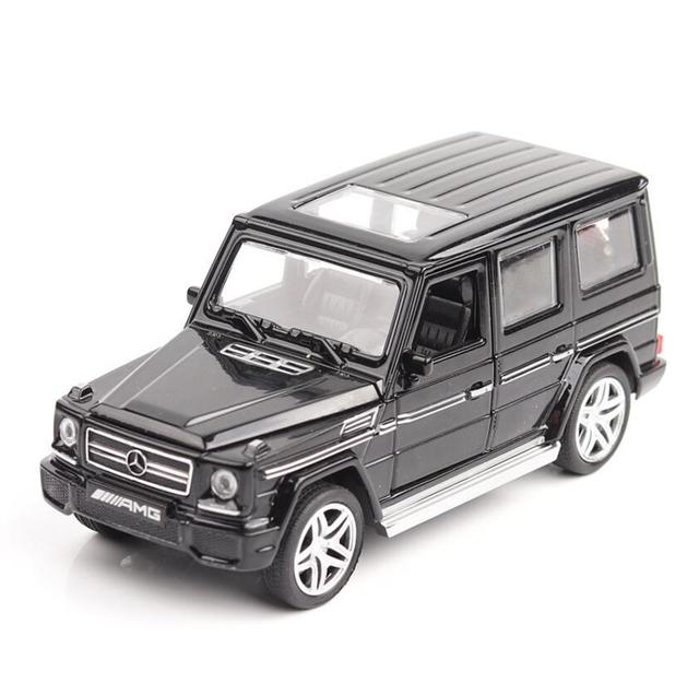 1:32 Metal Car Model Toy with Lights